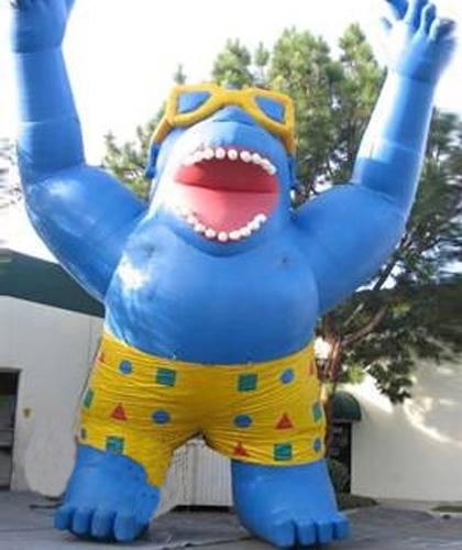 giant-blue-gorilla-25-feets