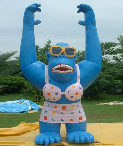 giant-blue-gorilla-ballon