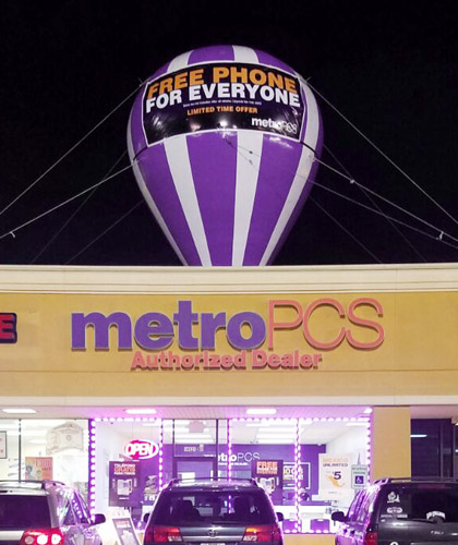 metro-pcs-inflatable-giant-roof-top-balloon