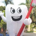 INFLATABLE-TOOTH-BALLOON